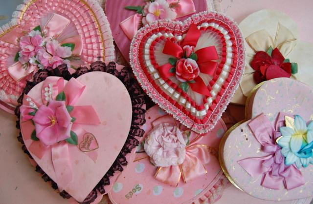 Упаковываем и оформляем подарки на День Влюбленных подарки, оформление подарков, День влюбленных, подарки на День влюбленных, упаковка, оформление упаковки 14 февраля, День святого Валентина, упаковка праздничная, упаковка подарочная, оформление подарков, подарки любимым, пакеты, коробки, декор упаковки, сердечки, декор на День влюбленных, идеи упаковки, идеи, идеи на День Влюбленных, упаковка своими руками, подарки своими руками, http://handmade.parafraz.space/подарок на день святого Валентина, подарки на день всех влюбленных своими руками, подарок к дню святого Валентина своими руками, день всех влюбленных подарки, подарок на день святого Валентина парню своими руками, что подарить на день влюбленных мужу, подарки на 14 февраля, подарки на день святого Валентина, любовные подарки, подарки для влюбленных, подарок на день святого Валентина девушке своими руками подарок на день святого Валентина мужу своими руками подарок на день святого Валентина жене своими руками подарок на день святого Валентина мужчине своими руками подарок на день святого Валентина женщине своими руками подарок на день святого Валентина любимой своими руками подарок на день святого Валентина любимому своими руками Романтические подарки на день влюбленных, Полезные подарки на день влюбленных, ОригинальныеС учетом хобби любимого С учетом хобби любимого подарки на день влюбленных, подарки на 14 февраля для любимого сделать своими руками, подарки на 14 февраля для любимой сделать своими руками, подарок парню на 14 февраля идеи своими руками как сделать подарок на день святого Валентина своими руками подарки на день всех влюбленных своими руками подарки на 14 февраля своими руками оригинальные подарки на 14 февраля, интерьерный декор на 14 февраля, идеи для украшения дома на 14 февраля, идеи для украшения дома на День Влюбленных, St. Valentine's Day, День Святого Валентина идеи для оформления дома на день влюбленных, интерьерный декор на день смятого Валентина, валентинов день, День любви, День влюб