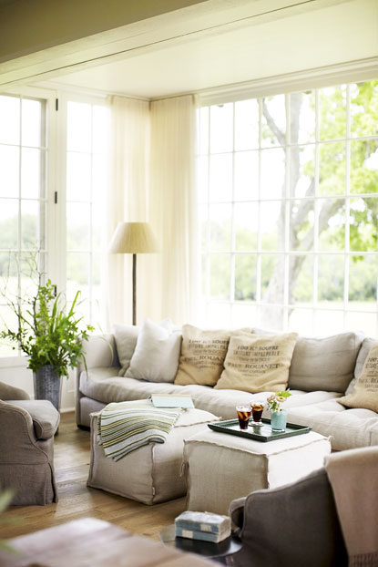Roses And Rust Monday Musings Couch Sofa Settee