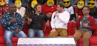 Ângelo Campos, Ricardinho Mendonça, Tatola Godas e Dennys Motta no sofá do Encrenca, na RedeTV!