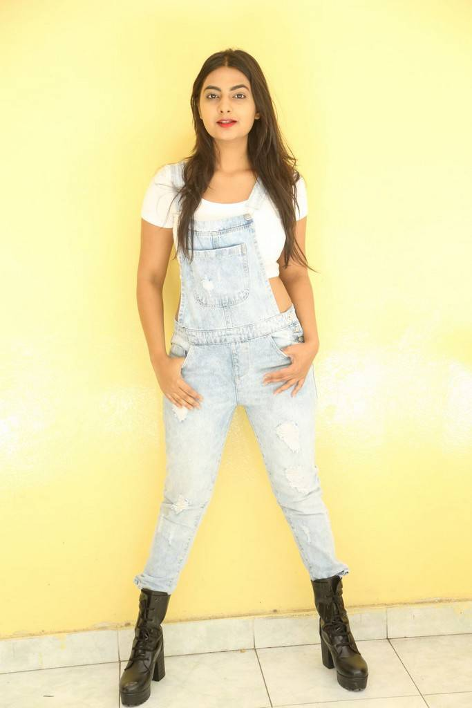 Telugu Actress Neha Deshpande Stills At Movie Press Meet