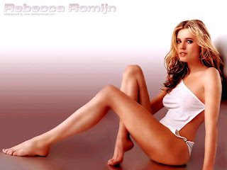 Rebecca Romijn Legs Show In White Bikini 2