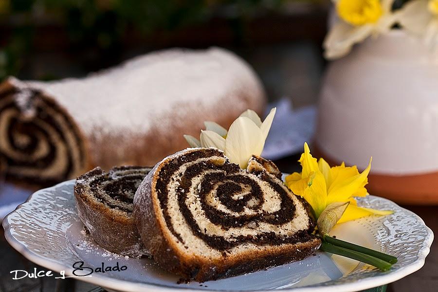 Makowiec (rollo dulce polaco con semillas de amapola)
