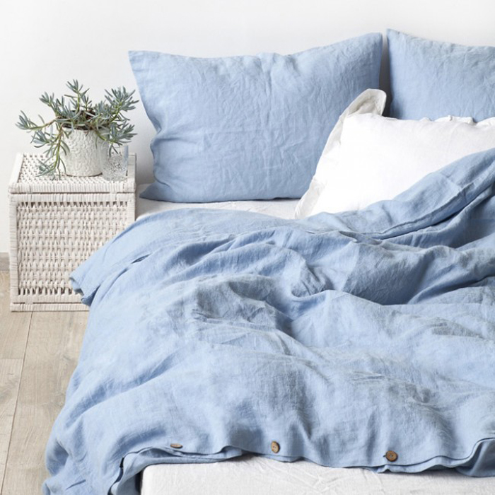 stonewashed linen bedding sky blue at Rafa-kids