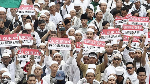 """Gelombang KESADARAN"" by @salimafillah"