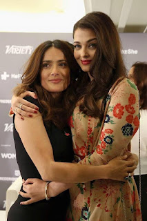 Aishwarya Rai And Salma Hayek Huging to Each Others