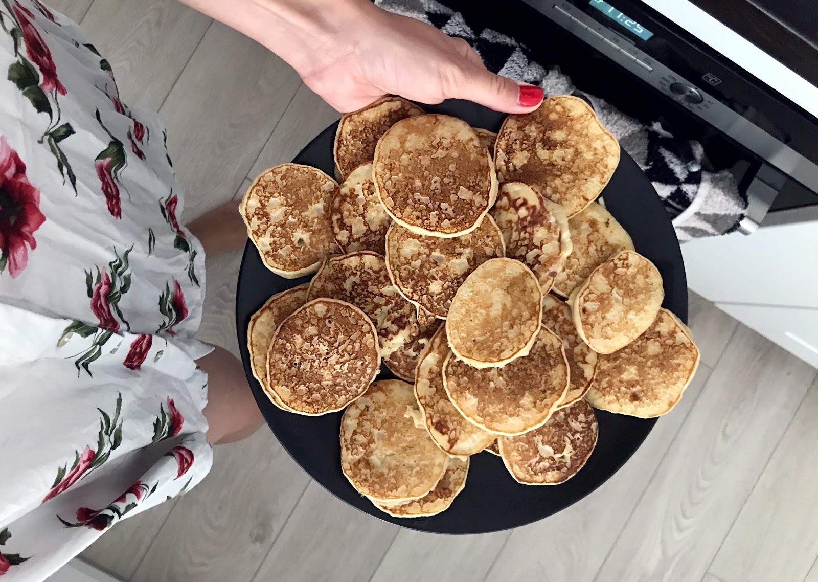 Mamo, #jemytosamo! 10 pomysłów na wspólne śniadanie z niemowlakiem