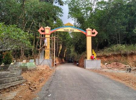 Gerbang Pintu Masuk Wisata Talang Indah, Bukit Pangonan