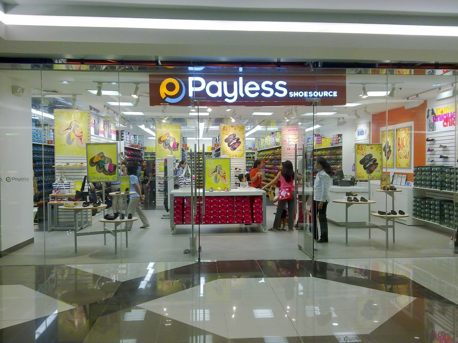 73cb2733e45 I found out that SM Southmall has Payless ShoeSource now and it was  recently opened. I hurriedly went inside to check. store facade