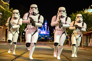 Star Wars Stormtroopers running.