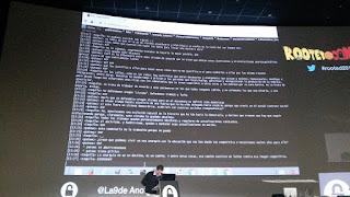 RootedCon 2016 - Román Ramirez, de RootedCon, leyendo y escribiendo a La9DeAnon
