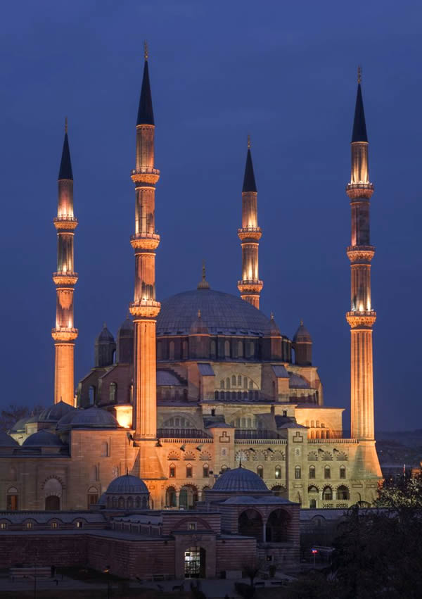 the great Selimiye mosque at Edirne