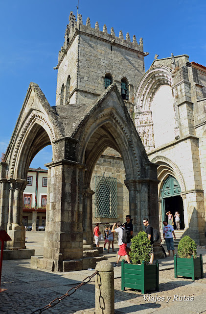Iglesia de la Virgen del Olivo, Guimaraes