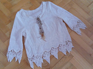 www.dresslily.com/scoop-neck-3-4-sleeve-laciness-lace-up-blouse-product1232615.html?lkid=461745
