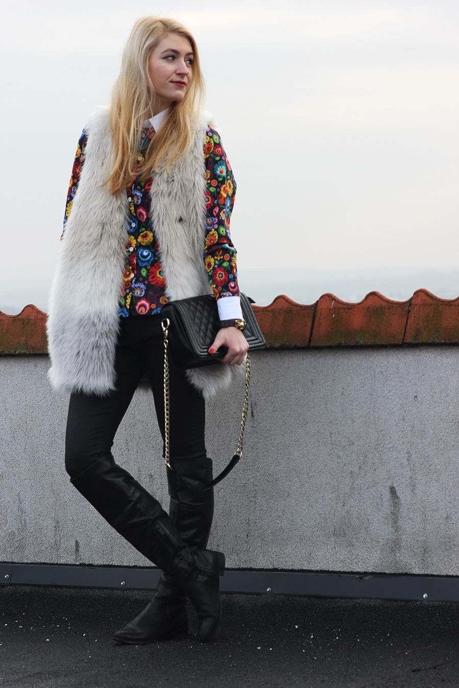 SimplyTheBest Blog written and created by Ewa Sularz  OOTD: Folk shirt and watch Mustasz shirt Swatch watch H&M fur Zara trousers Humanic high boots Nucelle bag