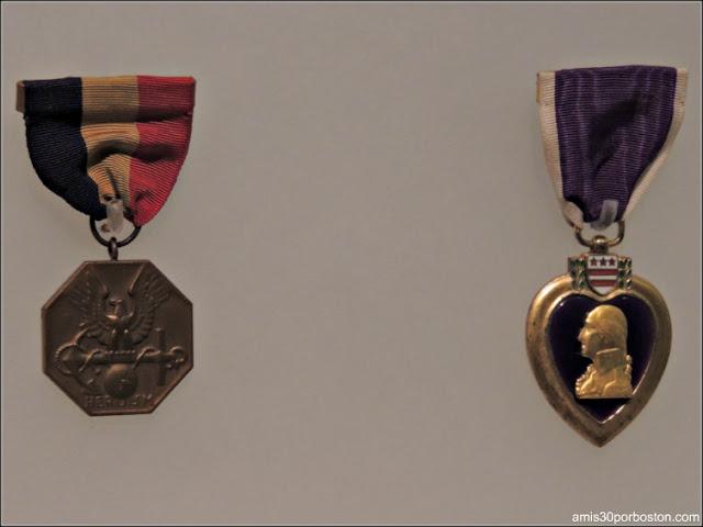 Medalla de la Armada y del Cuerpo de Marines & Corazón Púrpura