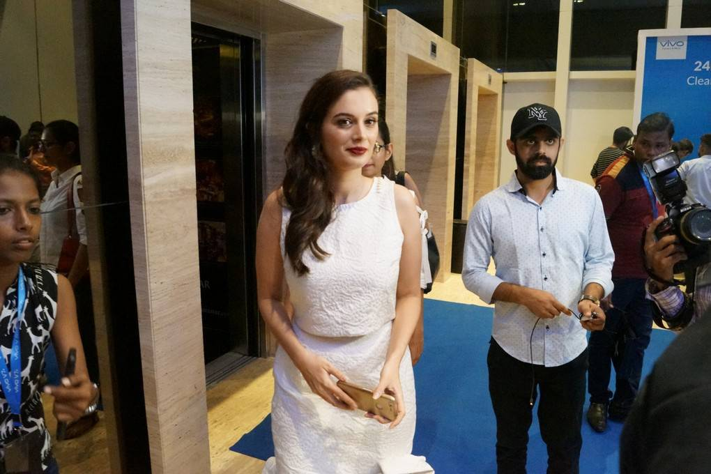 Evelyn Sharma Photoshoot At Vivo V7 Plus Launch Stills