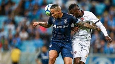 Vitória é goleado por 4 a 0 pelo Grêmio fora de casa