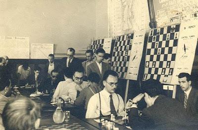 Sala de juego del IV Torneo Internacional de Ajedrez de Sabadell 1945
