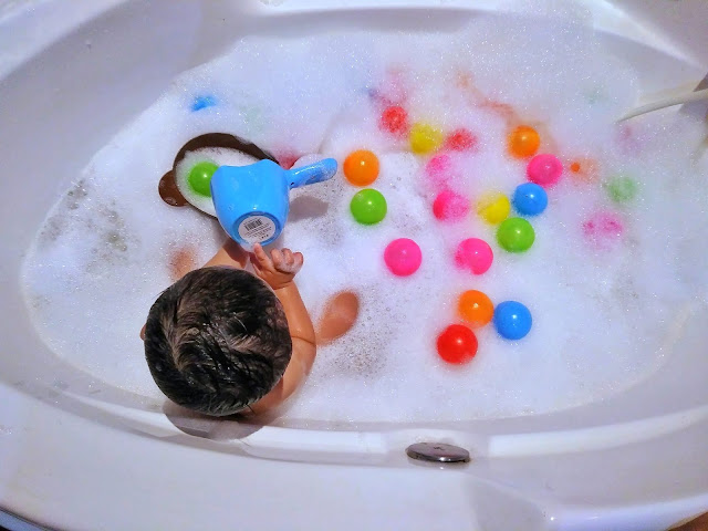 Bubble bath di mom n jo galaxy