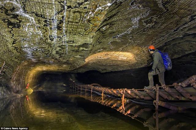 Wow, Pola Warna Di Terowongan Ini Luar Biasa