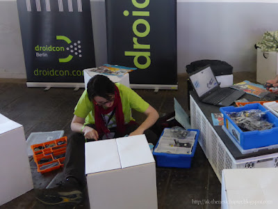 Ann-Katrin building lego