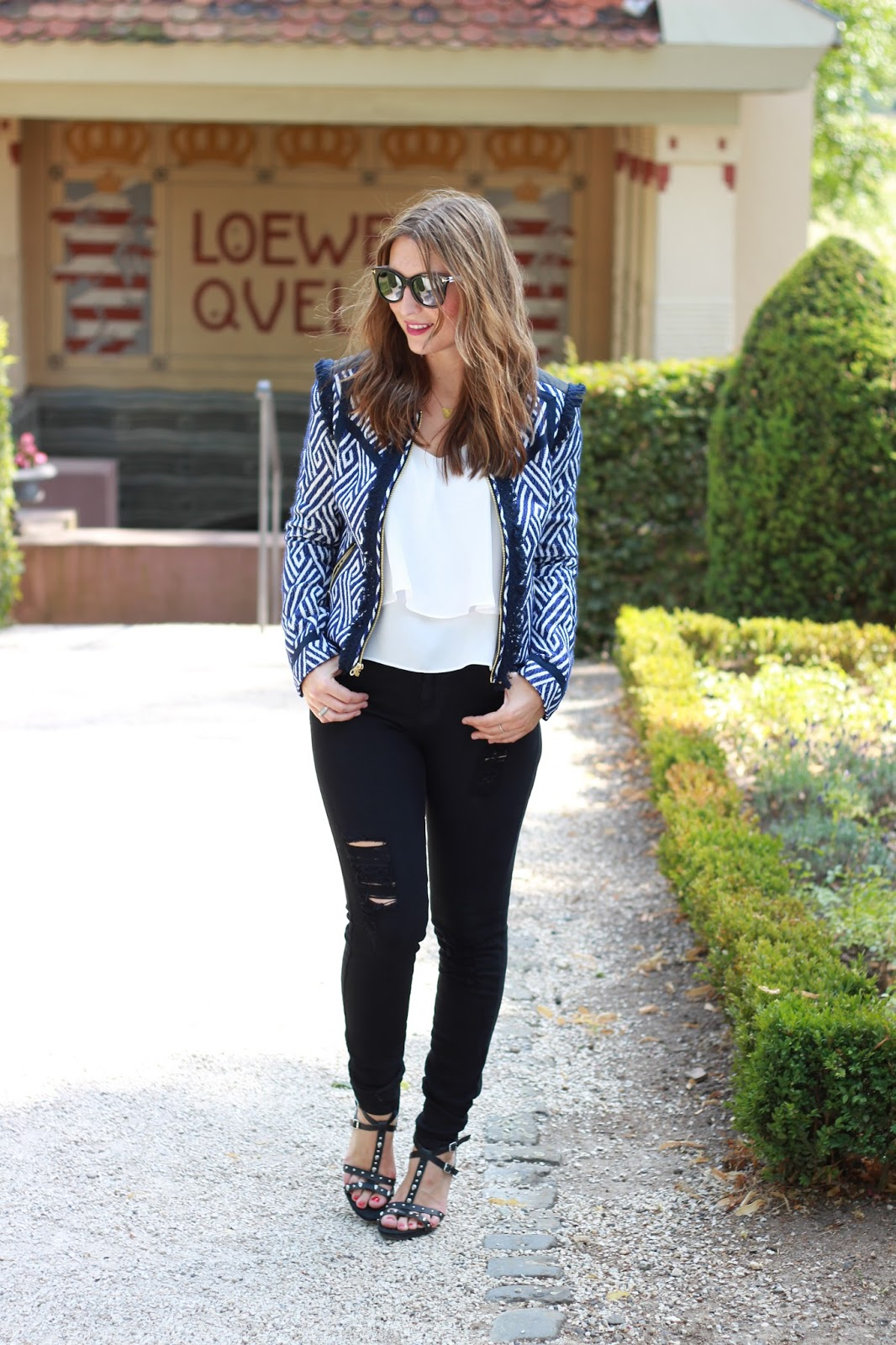 Schwarze Ripped Jeans - Blogger - Fashionblogger aus Detschland - Deutsche Fashionblogger - Juicy Couture- Juicy Couture blazer