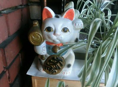 骨董品の招き猫