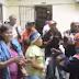 Ex-empleados irrumpen en ayuntamiento exigiendo prestaciones laborales