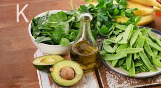 افضل 8 أغذية غنية بفيتامين ك