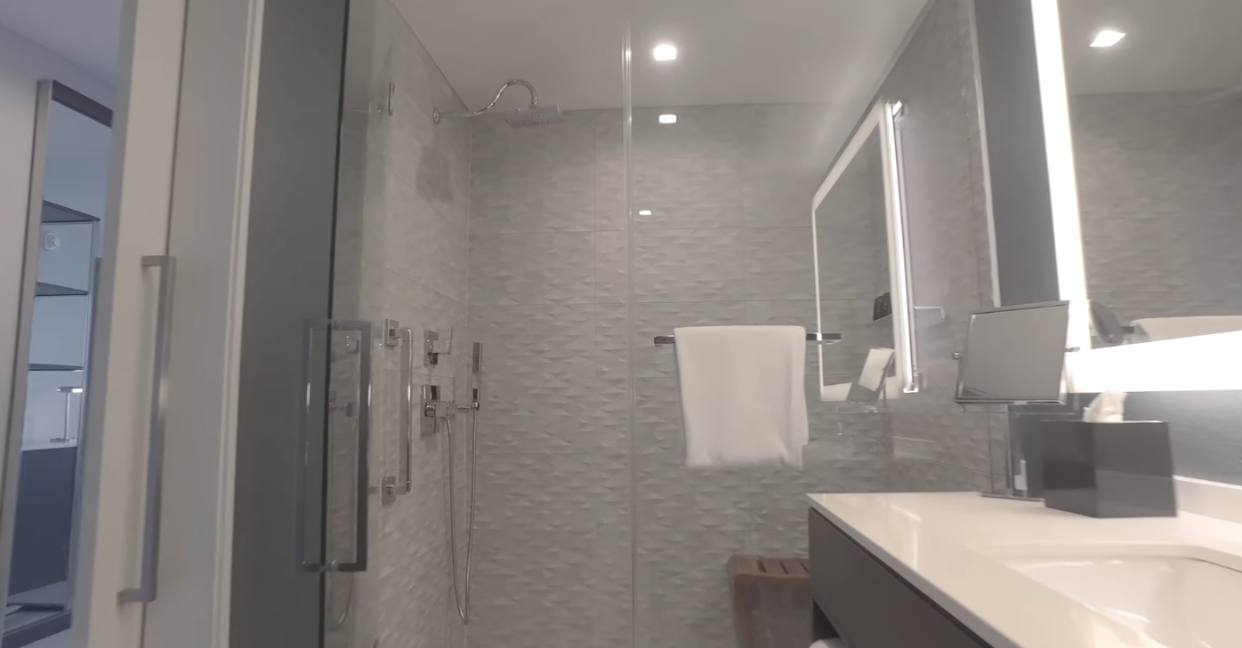 Hotel Interior Design Tour vs. Inside Hyatt Centric Brickell MIAMI Waterfront Hotel - 2020 4K!
