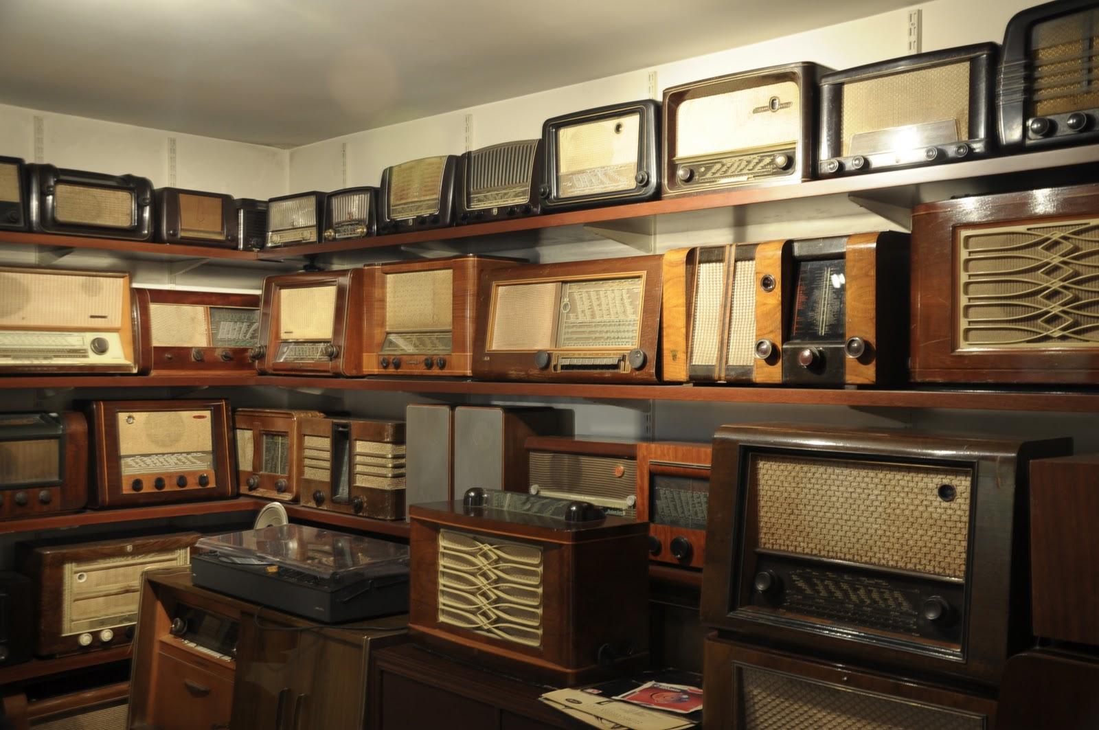 Vintage Radio Collectors 117