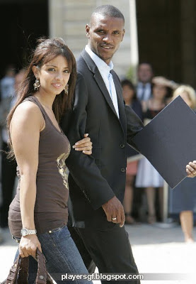 Éric Abidal and his hot wife