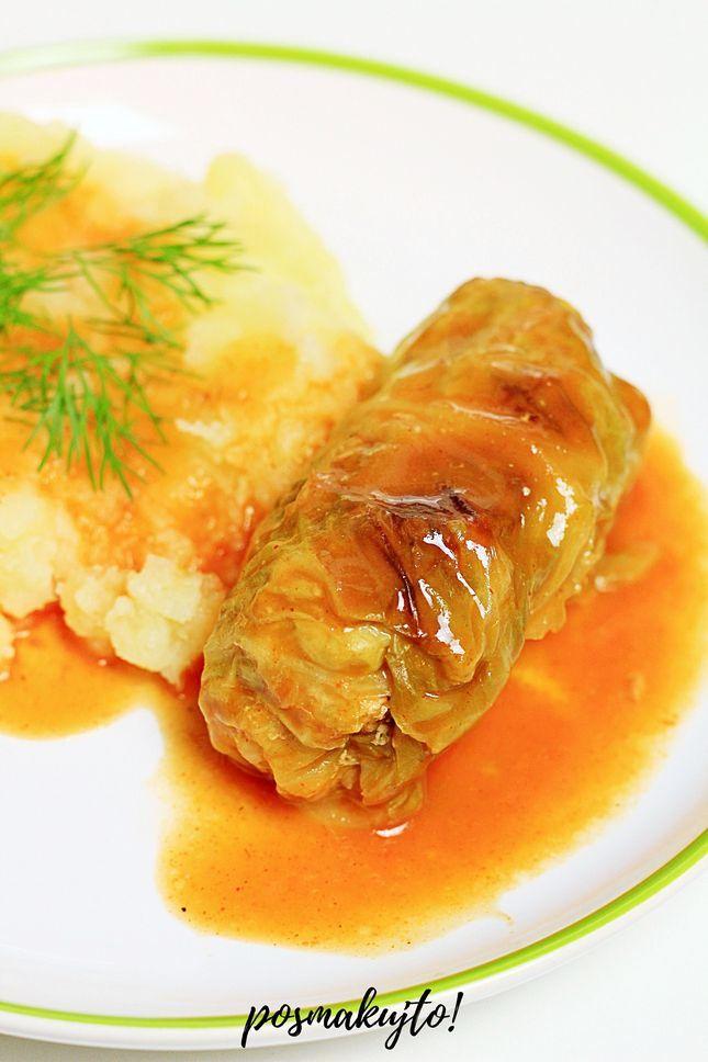 pieczone-golabki-z-miesem-z-mlodej-kapusty-w-sosie-pomidorowym