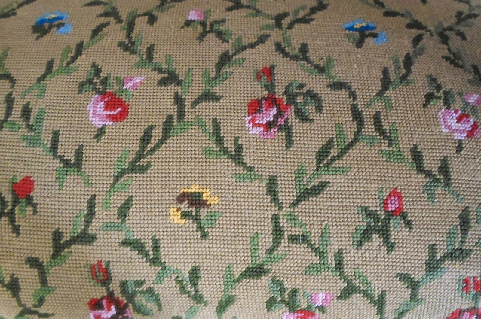 Petit Point - Detalle del Bordado