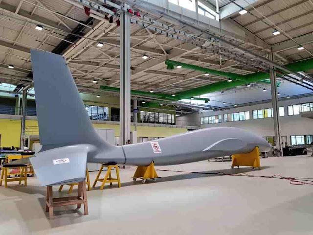 BAYKAR tarafından Türk Silahlı Kuvvetleri'ninyüksek irtifa uzun havada kalış(HALE)sınıfı insansız hava aracı (iHA) ihtiyacını karşılamak amacıylaAKINCI TAARRUZİ İHA PROJESİbaşlatıldı.  Tamamen yerli imkanlarla üretilecek olan AKINCI TAARRUZİ İHA1350 kg faydalı yük kapasitesiile daha etkili füze ve akıllı bombaları üzerinde taşıyabilecek.