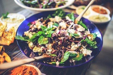 Makanan Sehat: Spinach and Beetroot Salad