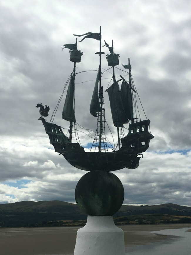 Portmeirion-Wales-sihouette-of-sailing-ship-sculpture