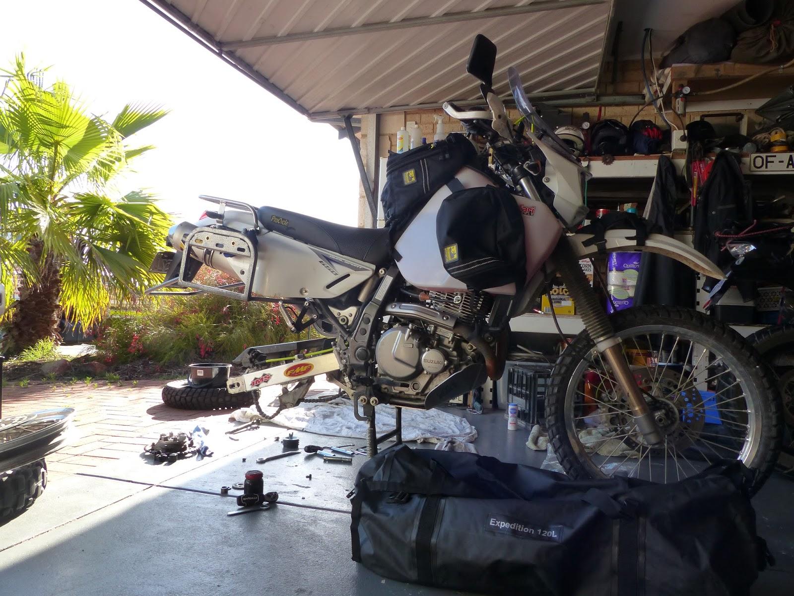 MOTO ADVENTURE - ROUND THE WORLD BY MOTORCYCLE: SUZUKI DR650