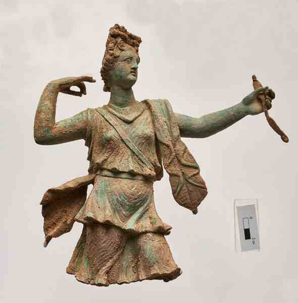 Statues depicting Artemis and Apollo found on Crete