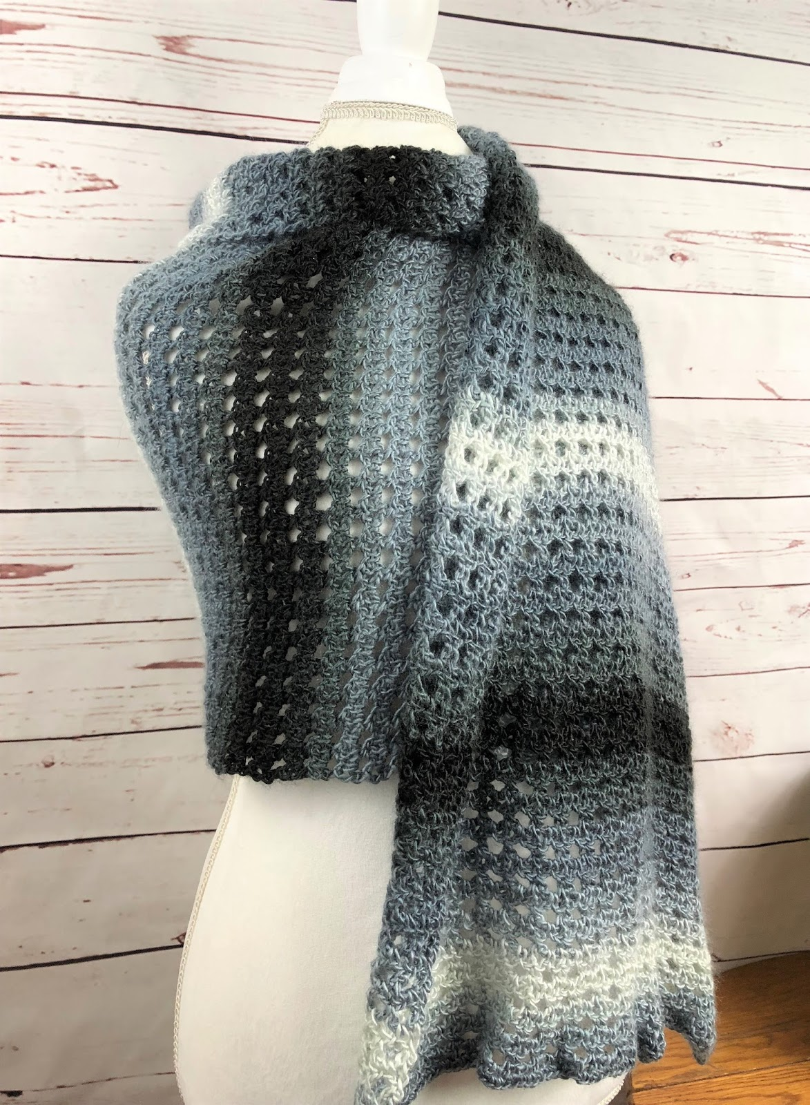 Bizzy Crochet: Sweet and Simple Shawl