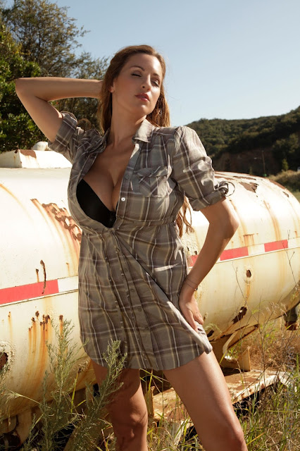 Jordan-Carver-Outback-hot-sexy-hd-photoshoot-image2