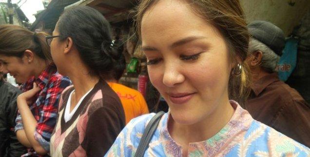 Kisah Artis Blasteran Cathy Sharon Penasaran Hingga Ikut Ahok Blusukan