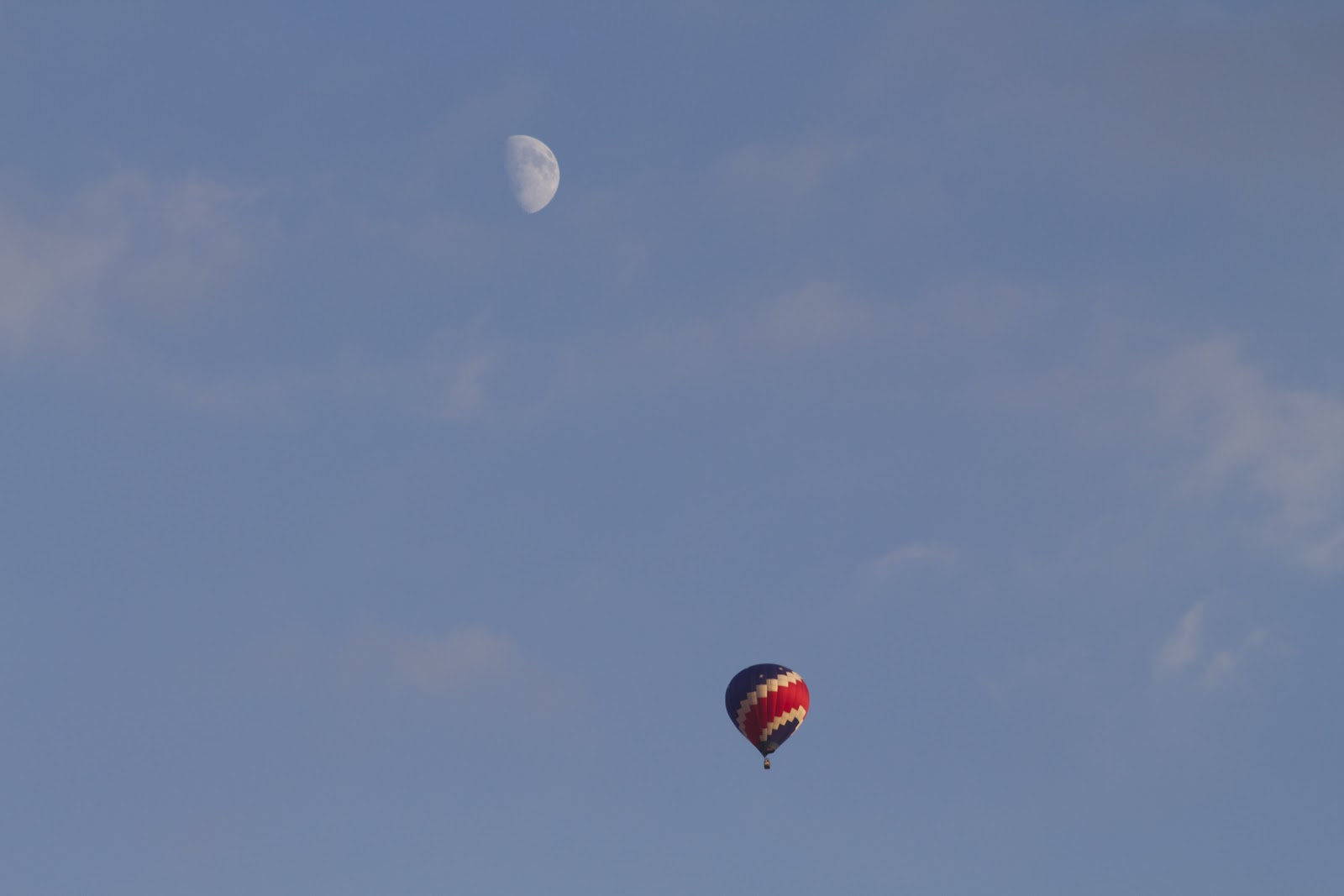 moon and hot air balloon