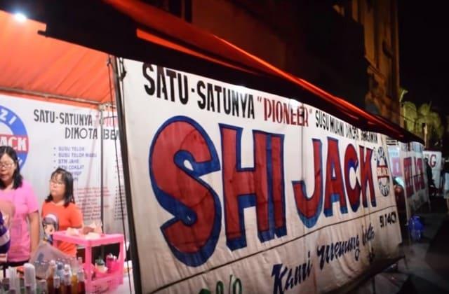 Susu Shi Jack akan membuatmu kembali segar dan siap pergi jalan jalan ke semua destinasi wisata di Solo