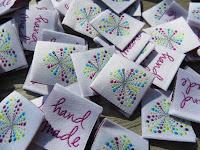 http://de.dawanda.com/product/66172235-handmade-webetiketten-herz-punkt-10st