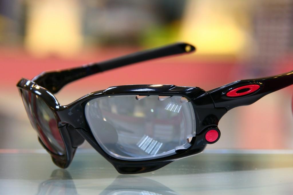得恩堂眼鏡左營店: OAKLEY Racing Jacket (原JAWBONE)客製化近視有度數光學太陽眼鏡 高雄得恩堂左營店 專業銷售店