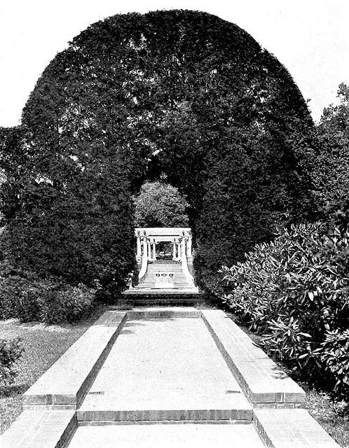 garden pergola 1915