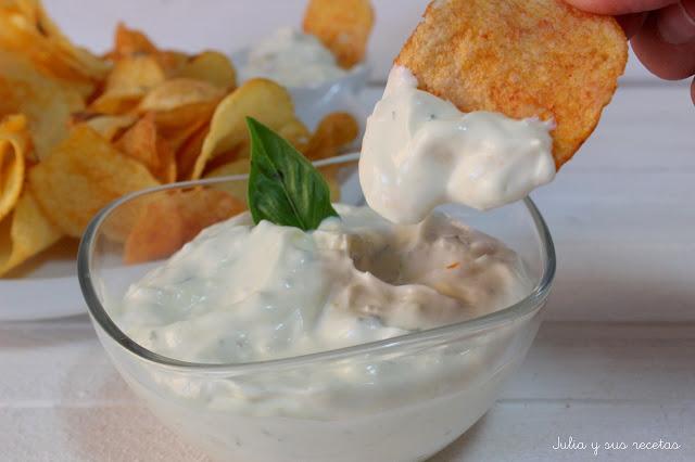 Dip de queso para patatas chips. Julia y sus recetas