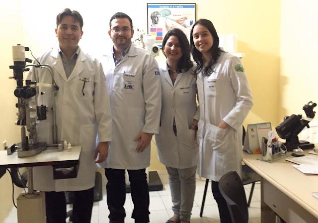 Médico residente da Fundação Altino Ventura/Recife participa de atividade no Ambulatório de Transplantes de Córneas da Santa Casa de Sobral