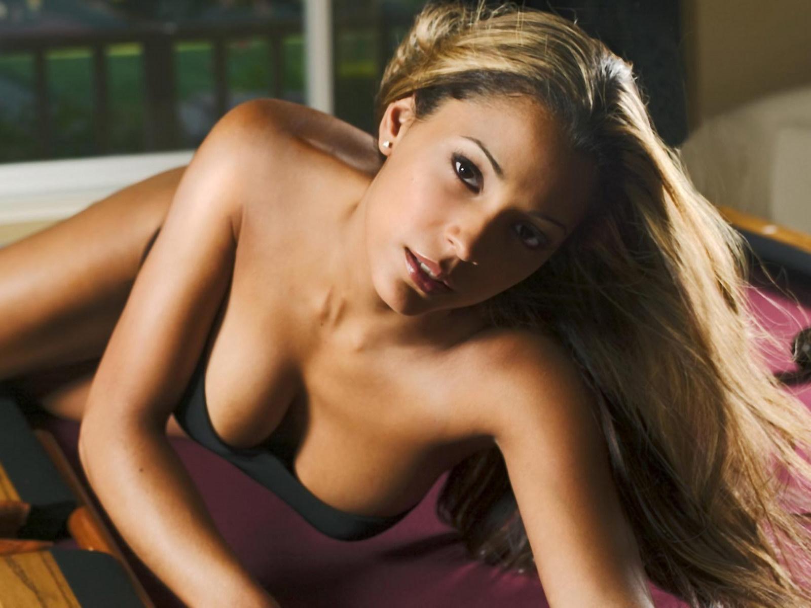 Lana Fink Nude 103
